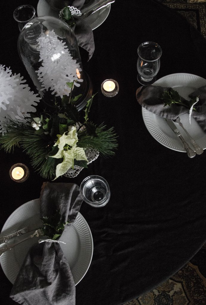 Christmas table // heidihallingstad.com