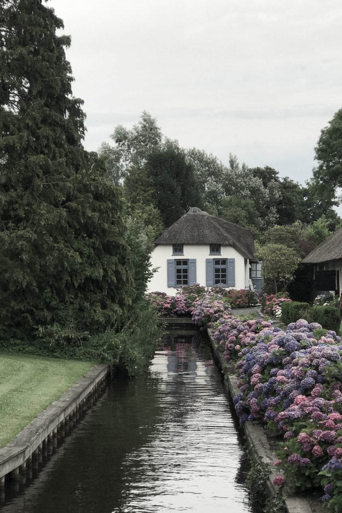 Vacation in Giethoorn, Holland // heidihallingstad.com